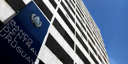 servicios financieros Uruguay3